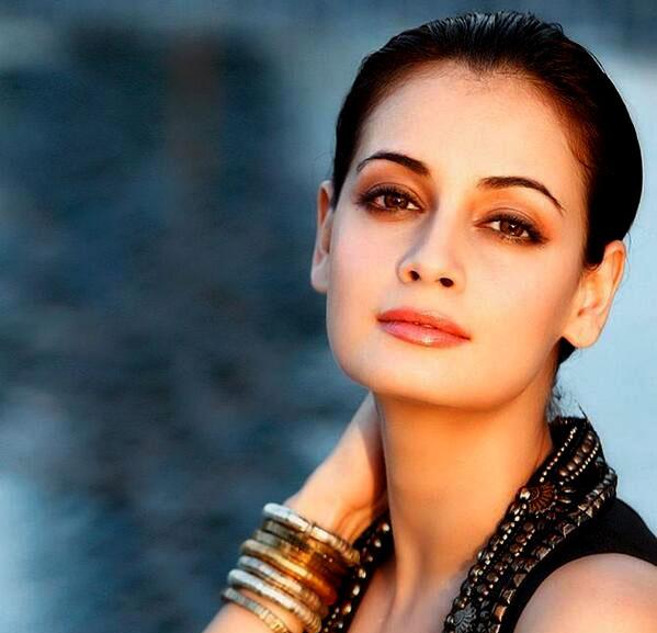 अभिनेत्री दीया मिर्जा