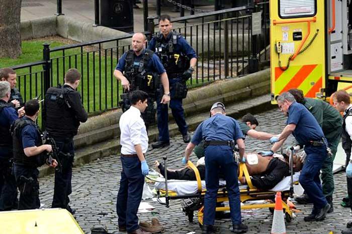 आतंकवादियों ने  ब्रिटिश संसद को निशाना बनाने का प्रयास