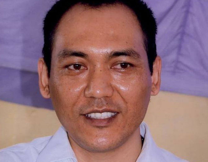 आईएएस रिग्जियान सैम्फिल बने विशेष सचिव, मुख्यमंत्री