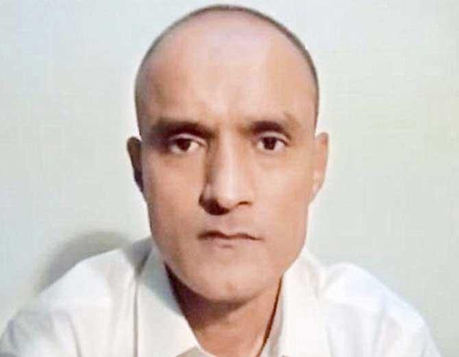 पाकिस्तान में कैद भारत के पूर्व अधिकारी कुलभूषण यादव