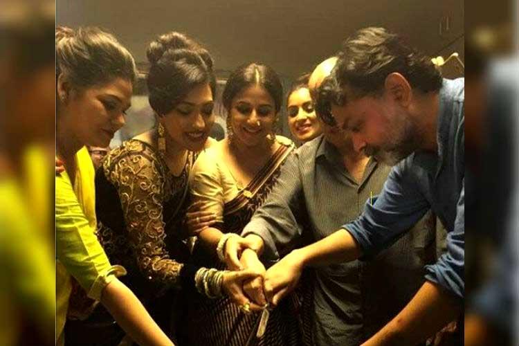 बांग्ला अभिनत्री रितुपर्णा सेनगुप्ता और  बॉलीवुड अभिनेत्री विद्या बालन साथ-साथ