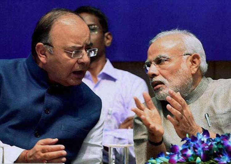प्रधानमंत्री नरेंद्र मोदी के साथ केंद्रीय वित्त मंत्री अरुण जेटली (फाइल फोटो)
