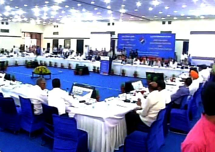 चुनाव आयोग की सर्वदलीय बैठक
