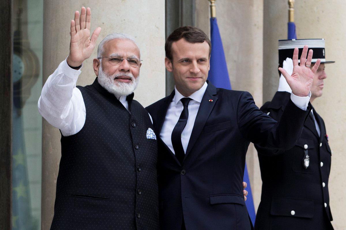 फ्रांसीसी राष्ट्रपति मैक्रों और  पीएम मोदी