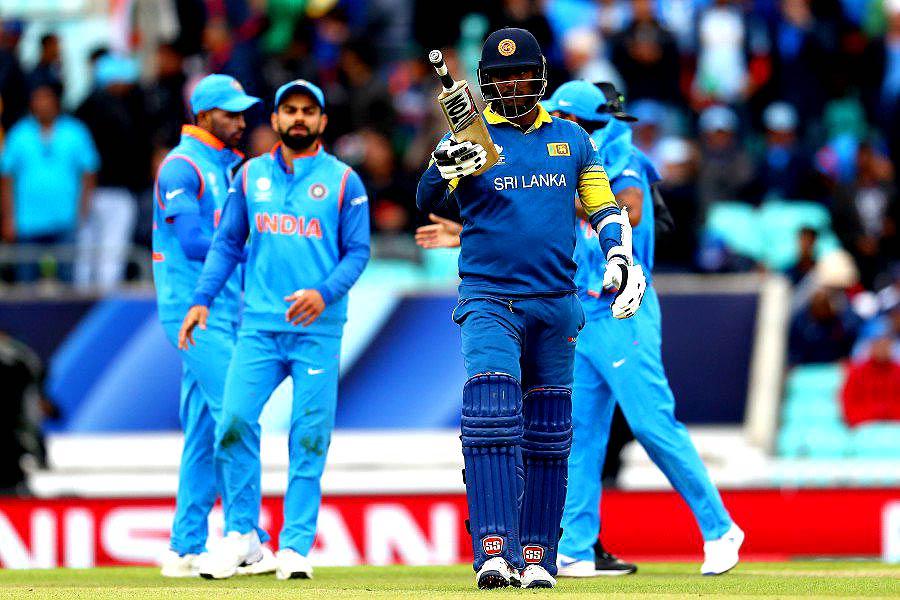 टीम इंडिया और  श्रीलंका के खिलाड़ी