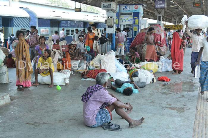 कानपुर सेंट्रल स्टेशन प्लेटफार्म नंबर 1 पर फैली गंदगी