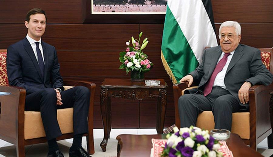 सलाहकार जेयर कुशनर, फिलिस्तीनी राष्ट्रपति महमूद अब्बास से मुलाकात करते हुए