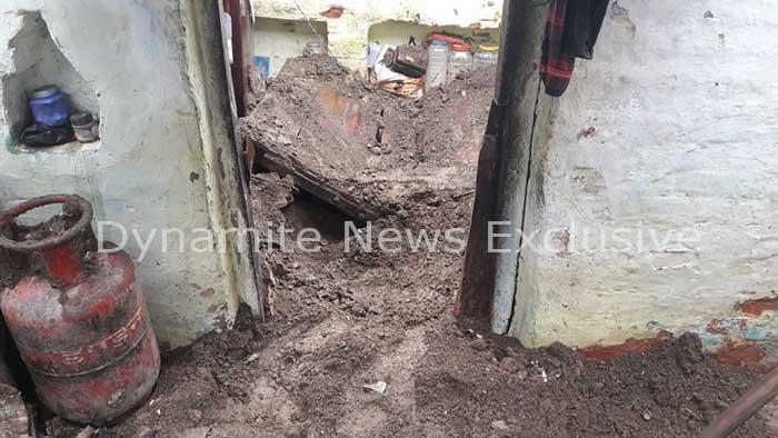 कानपुर में छत ढ़हने से  एक ही परिवार के तीन सदस्यों की मौत