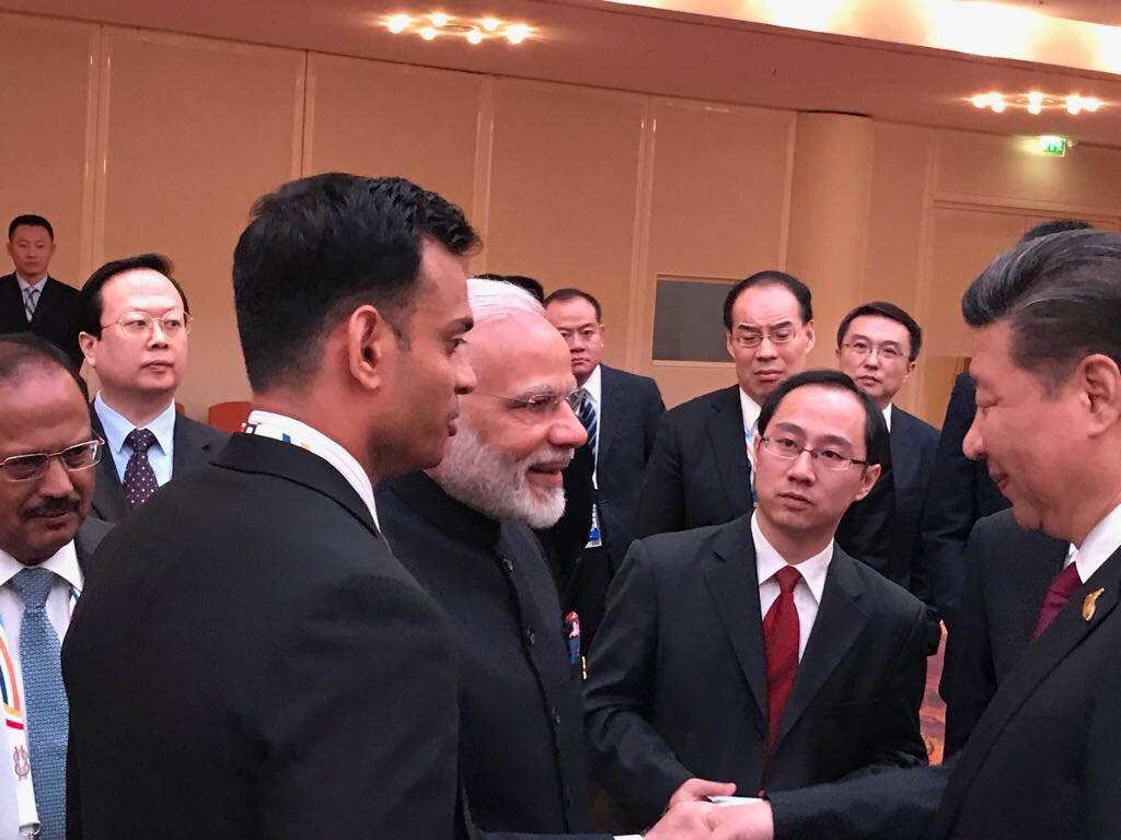 भारतीय प्रधानमंत्री नरेंद्र मोदी और चीनी राष्ट्रपति शी जिनपिंग