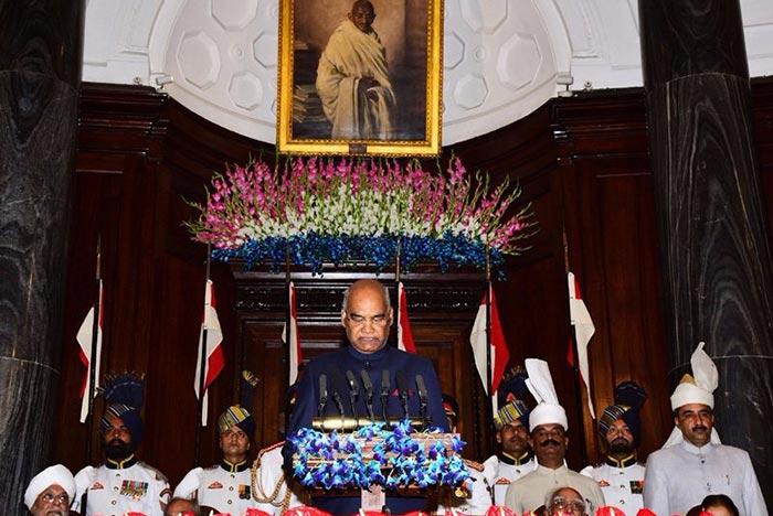 संबोधित करते राष्ट्रपति रामनाथ कोविंद