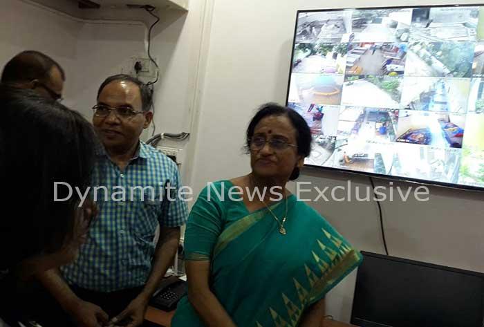 रीता बहुगुणा जोशी स्टेट डाटा मैनेजमेंट सेंटर का उद्धाटन करते हुए