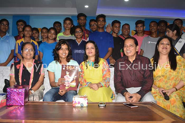 एकता बिष्ट, स्पिनर, महिला क्रिकेट टीम