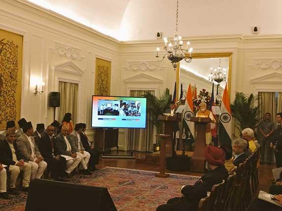 प्रेस कांफ्रेंस को संबोधित करते हुए प्रधानमंत्री नरेंद्र मोदी