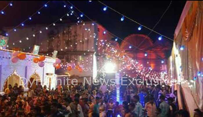 गणपति पंडाल में उमड़ी भक्तों की भीड़
