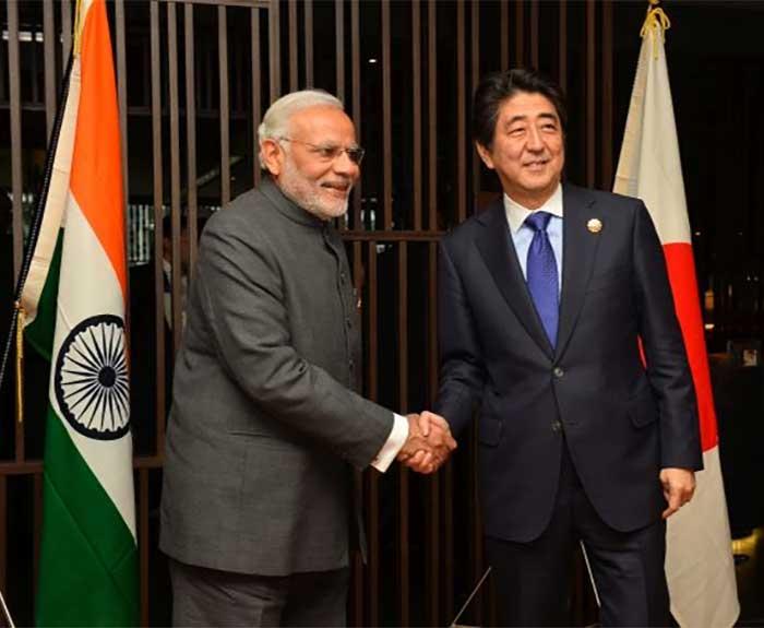 प्रधानमंत्री नरेंद्र मोदी और जापान के प्रधानमंत्री शिंज़ो अबे  (फाइल फोटो)