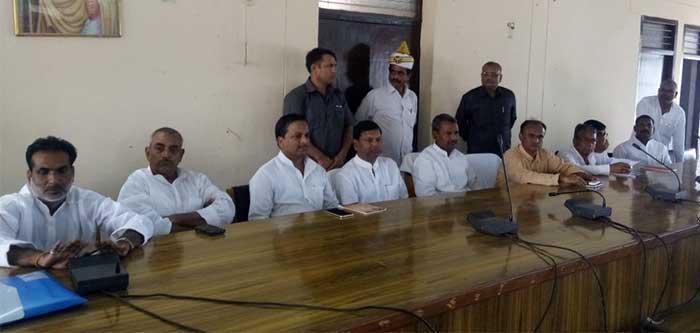 भाजपा की बैठक का दृश्य