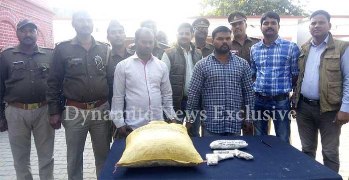 पुलिस की गिरफ्त में अपराधी और बरामद सामान