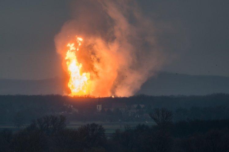 गैस पाइपलाइन में विस्फोट