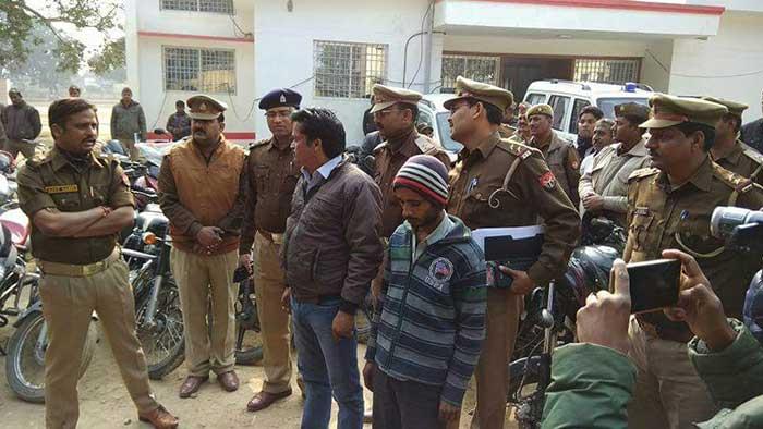 पुलिस ने गिरफ्तार लोगों से बरामद की चोरी की 60 बाइकें