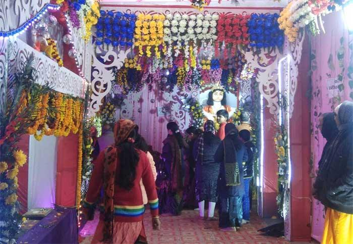 दक्षिण मुखी काली माता मंदिर में लगा भक्तों का तांता