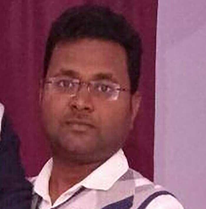 ईओ वीरेन्द्र कुमार राव
