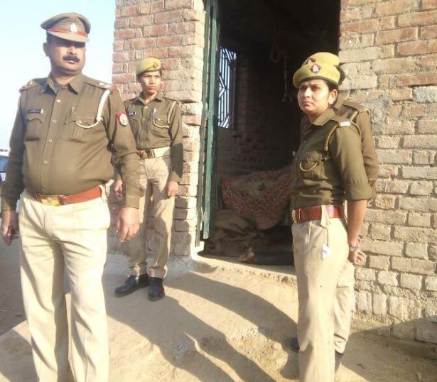 घटना के बाद मौके पर मौजूद पुलिसकर्मी