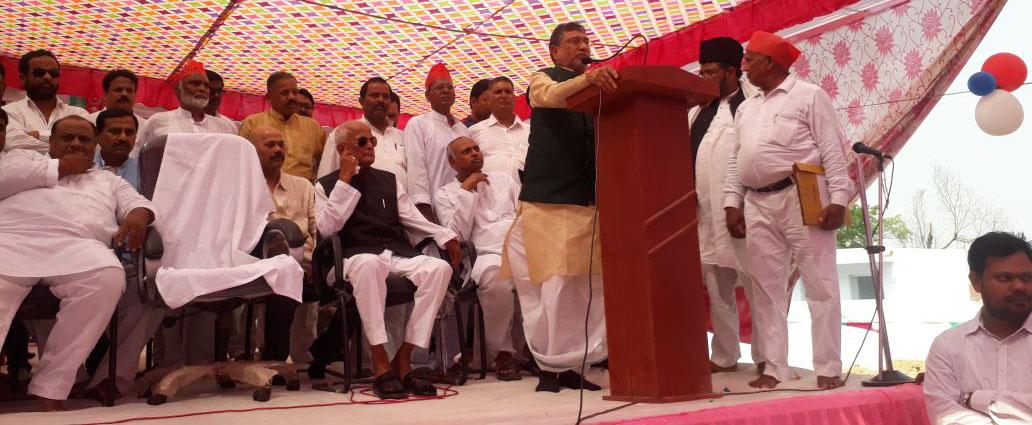 सभा को संबोधित करते नेता प्रतिपक्ष राम गोविंद चौधरी