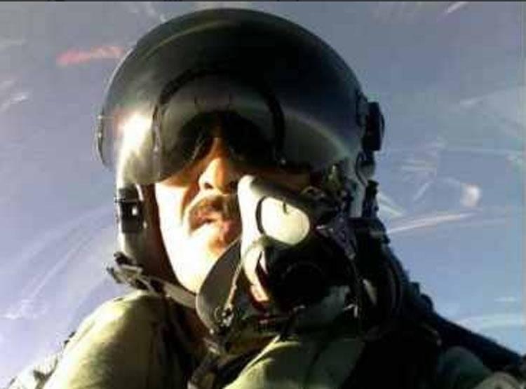 शहीद पायलट संजय चौहान (फाइल फोटो)