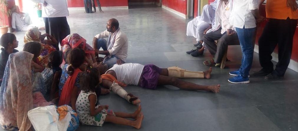 दबंगों द्व्रारा मारपीट में घायल पीड़ित