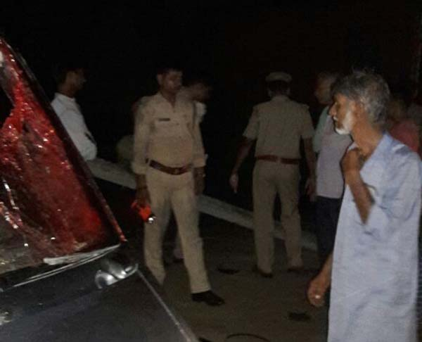 घटना स्थल पर मौजूद पुलिस कर्मी