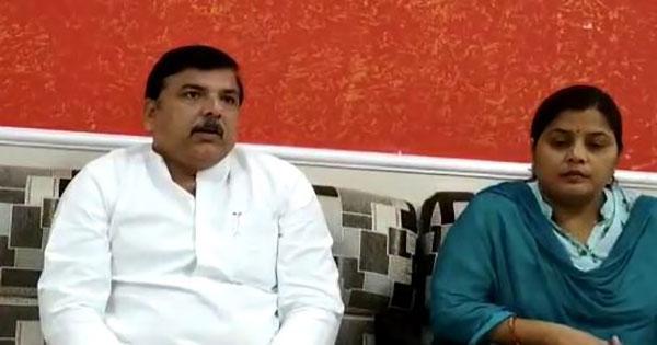 प्रेस कान्फ्रेंस में आप नेता संजय सिंह