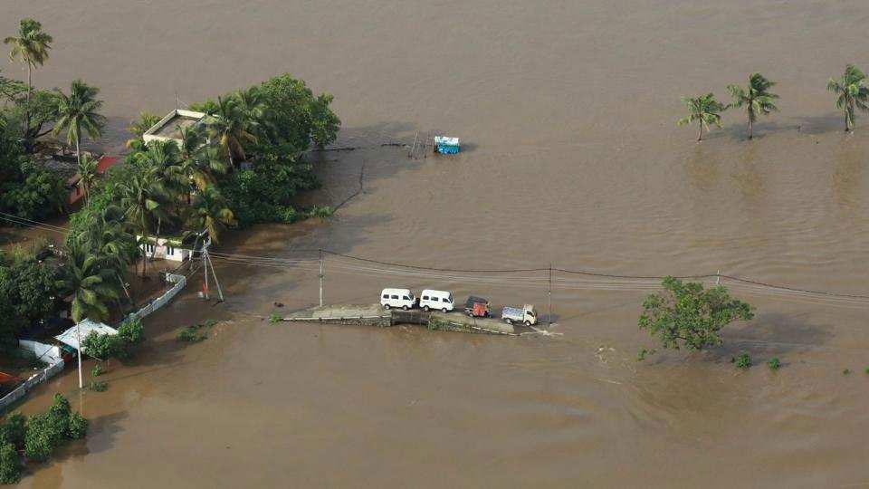 केरल में 100 सालों में अब तक की सबसे बड़ी तबाही
