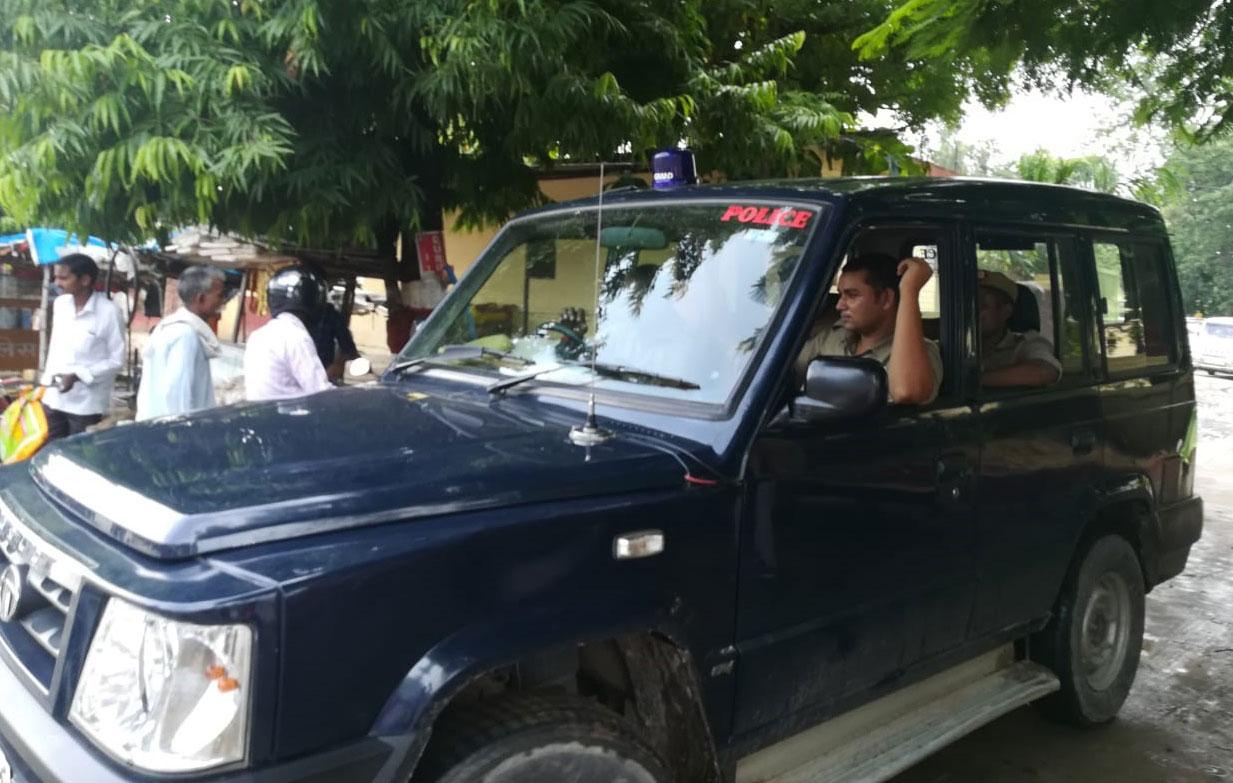 गिरफ्तारी के लिये PWD ऑफिस गयी पुलिस टीम लौटी बैरंग