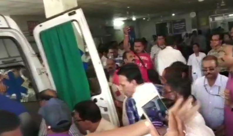 घायलों को अस्पताल में कराया गया भर्ती