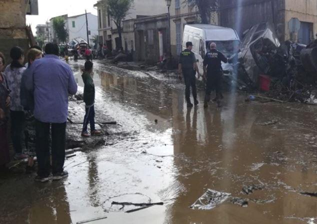 मैलोर्का द्वीप पर अचानक आई बाढ़  से तबाही