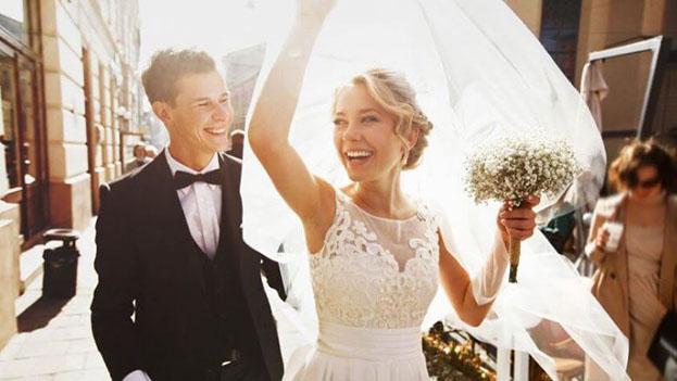 शादी के लिये तैयार जोड़ा (प्रतीकात्मक तस्वीर)