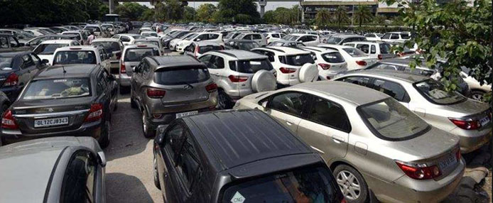 Image result for कंगाल पाकिस्तान में पूर्व जज निकला 2200 कारों का मालिक!