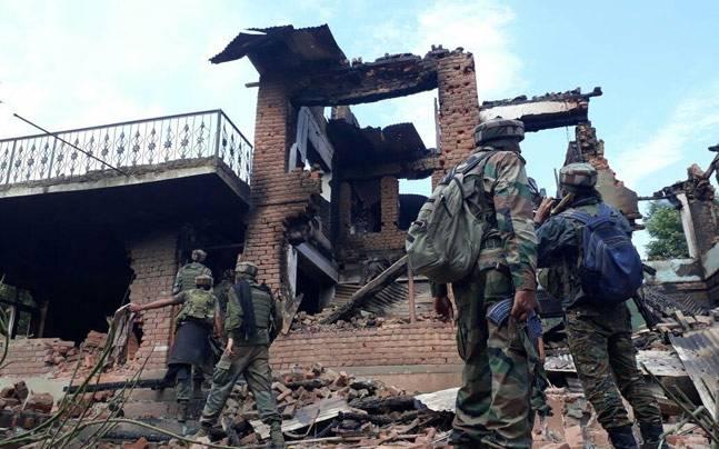 सुरक्षाबलों ने 2 आतंकियों को मार गिराया
