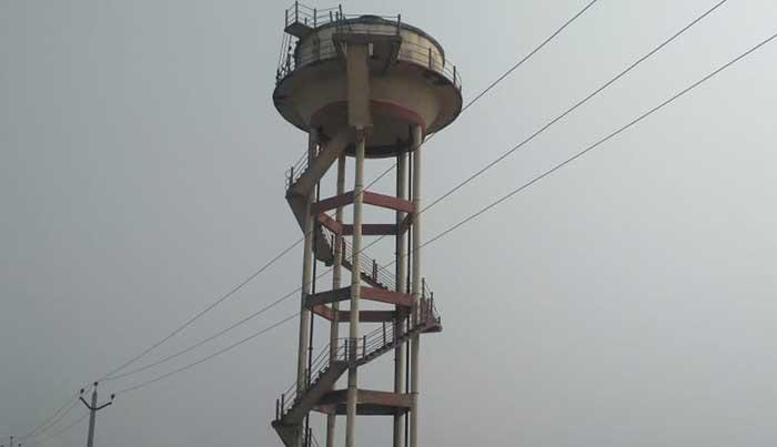 नेहरू नगर वार्ड-1 में स्थित पानी की टंकी पांच सालों से सूखी