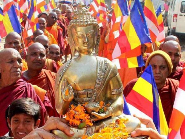 25 दलितों ने अपनाया बौद्ध धर्म