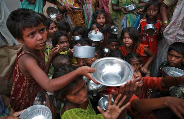 पाकिस्तान में बच्चे भुखमरी के शिकार