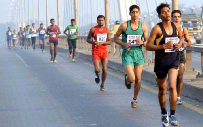 इन्दिरा मैराथन  में दौड़ लगाते हुए (फाइल फोटो)