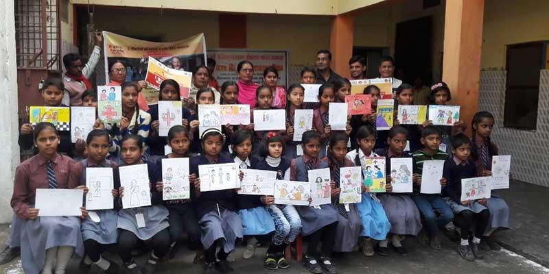 विद्यालय को बच्चों ने जागरूकता के लिए बनाई चित्रकला