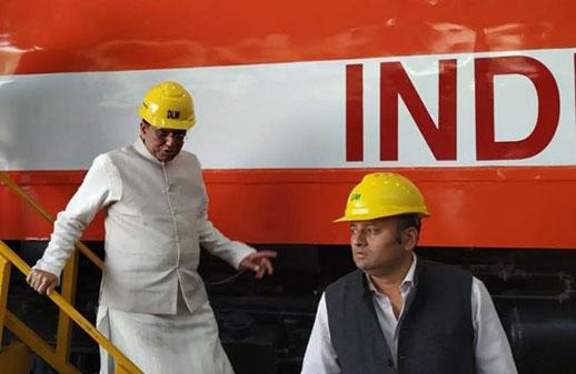 रेल मंत्री पियुष गोयल का वाराणसी दौरा