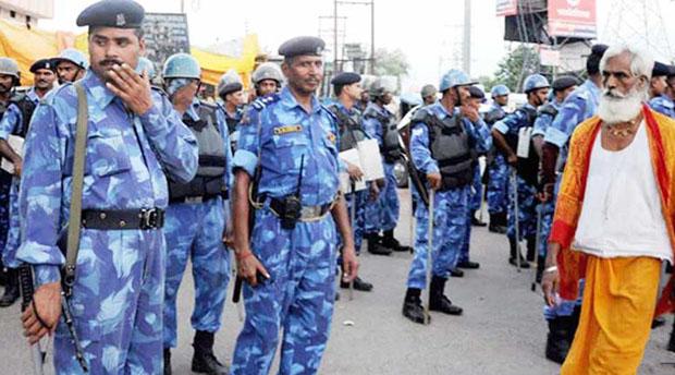 अयोध्या में भारी पुलिस बल तैनात
