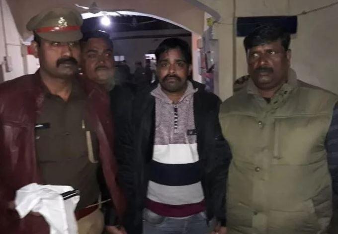 मुठभेड़ में गिरफ्तार इनामी बदमाश