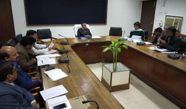 गोरखपुर महोत्सव की तैयारी को लेकर हुई बैठक