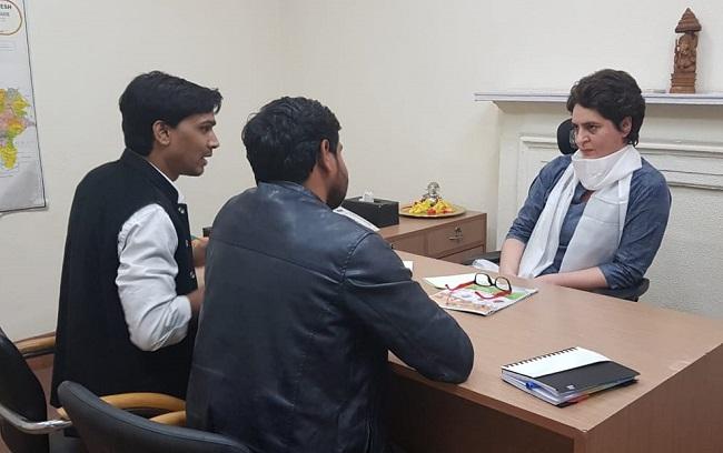 पहली बार कांग्रेस दफ्तर पहुंची प्रियंका गांधी
