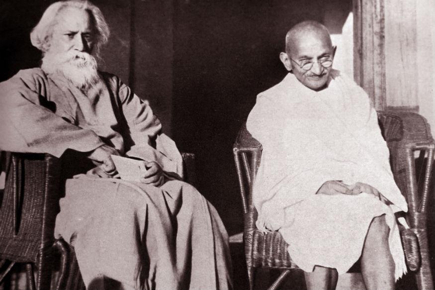 महात्मा गांधी और रवीन्द्रनाथ टैगोर (फाइल फोटो)