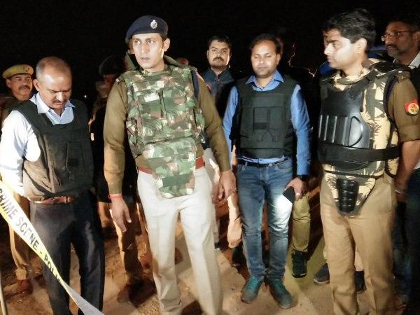 मुठभेड़ में पुलिस ने 2 बदमाश को दबोचा